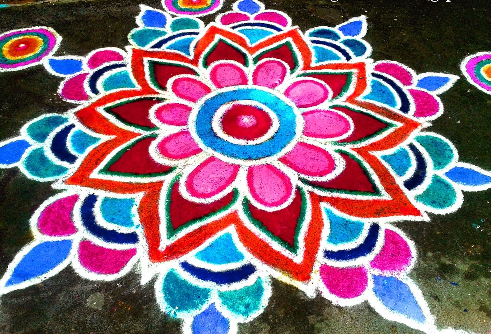 Diwali rangoli designs with dots flowers deewali rangoli for Floor rangoli design